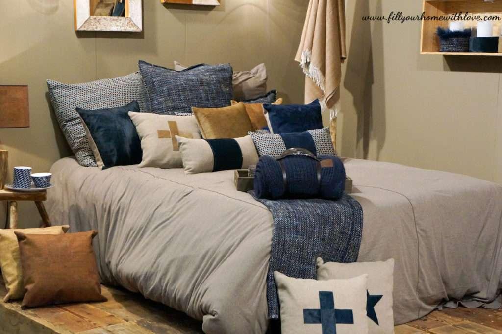 pillows knives and dishes angel des montagnes. Black Bedroom Furniture Sets. Home Design Ideas
