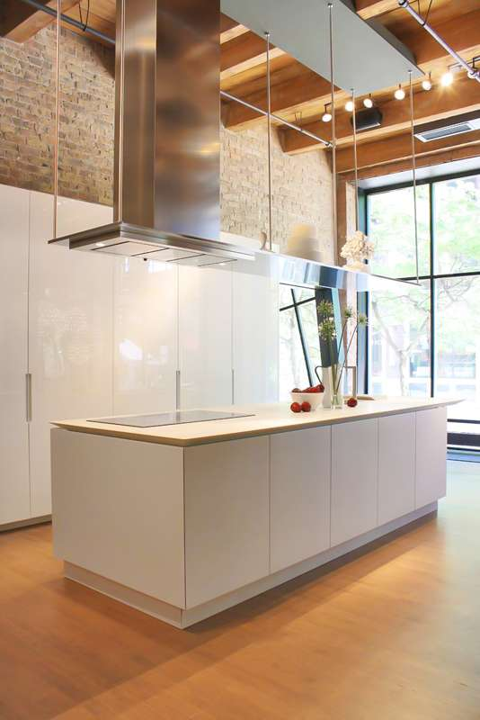 A Modern Kitchen, please!