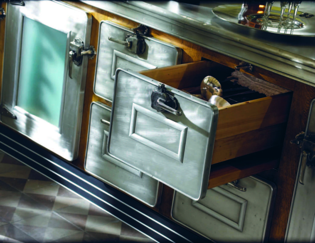 Ecco Un Dettaglio Di Un Cassetto Realizzato Internamente In Legno Ed  #5D4A39 1024 790 Arredo Cucina Stile Industriale