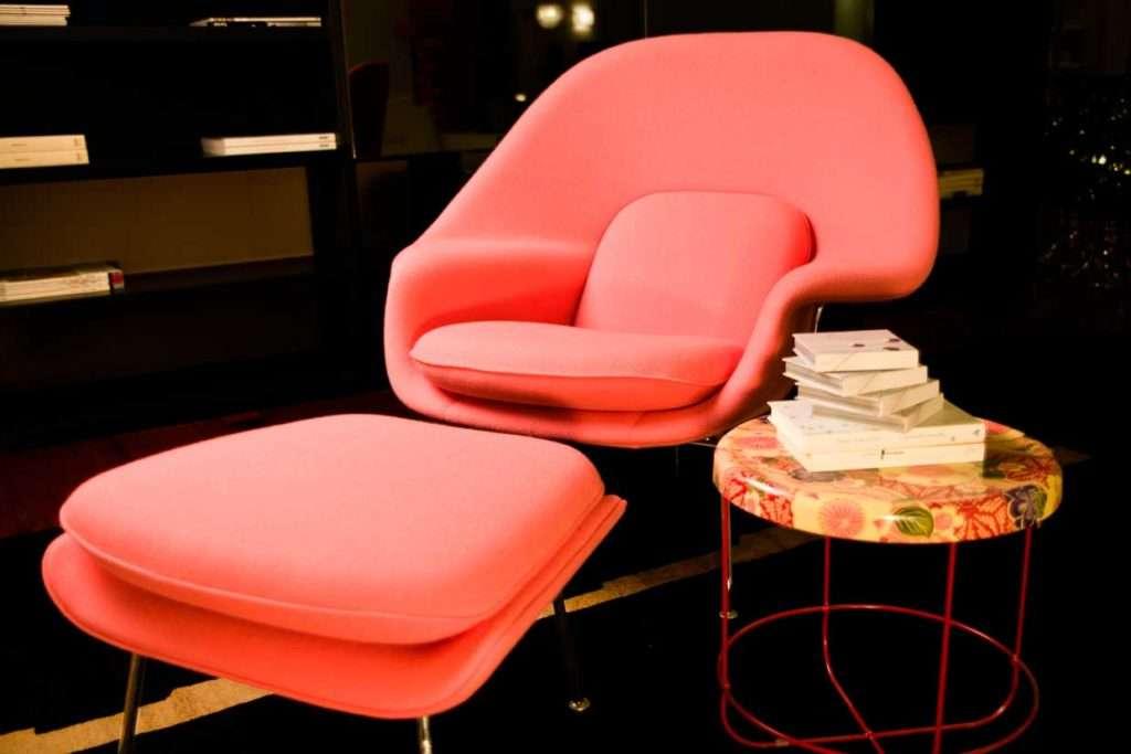 poltrona rosa womb di knoll