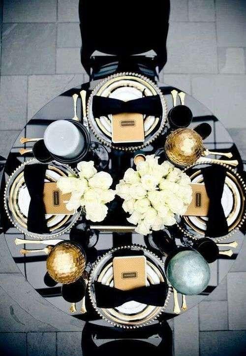 Posate oro e dettagli neri per una tavola da sogno fyhwl - Poggia posate da tavola ...
