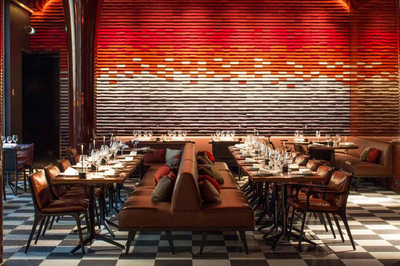 A parigi nel design hotel les bains fyhwl for Restaurant la salle a manger paris
