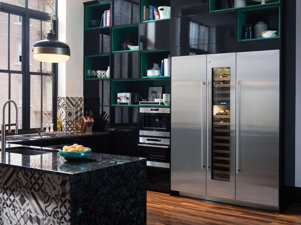 Una cucina che si confonde nel soggiorno fyhwl - Cucina piu soggiorno ...
