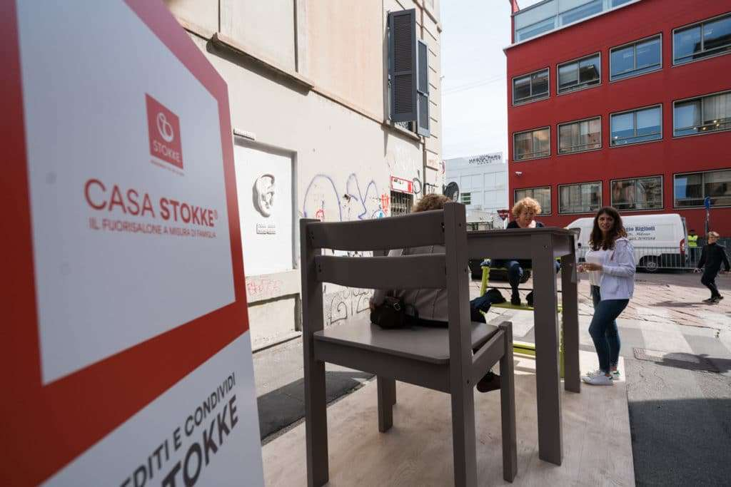 Carta da parati e stickers con i gufi a Casa Stokke: ecco dove potete acquistarli online.