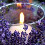 Candele profumate per la casa e aromaterapia