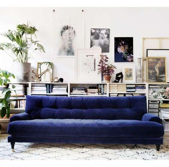 divano velluto blu oltremare
