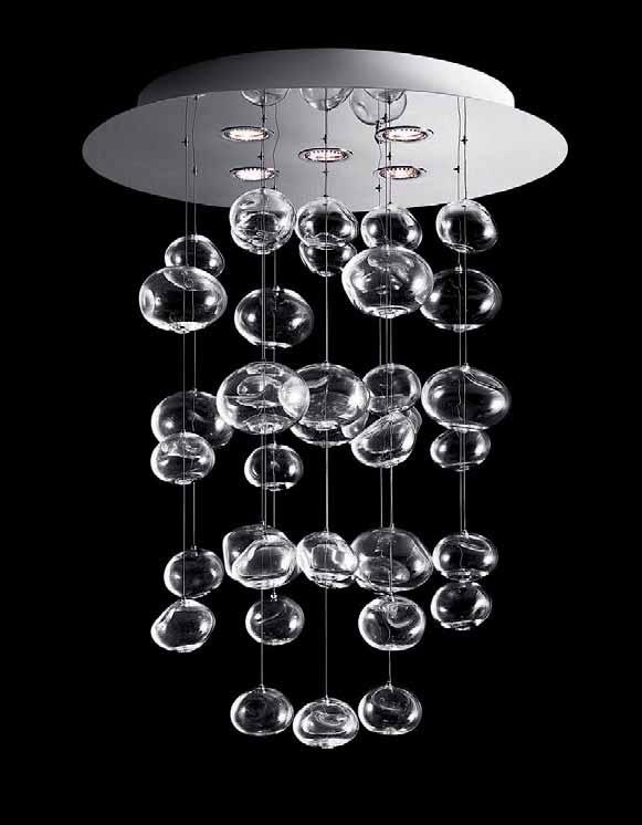 lampadario in vetro con pendenti