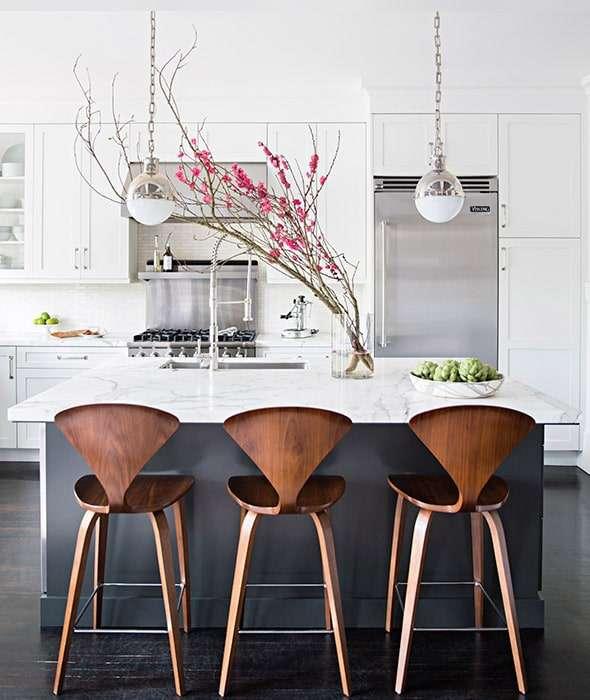 sgabello design legno con schienale