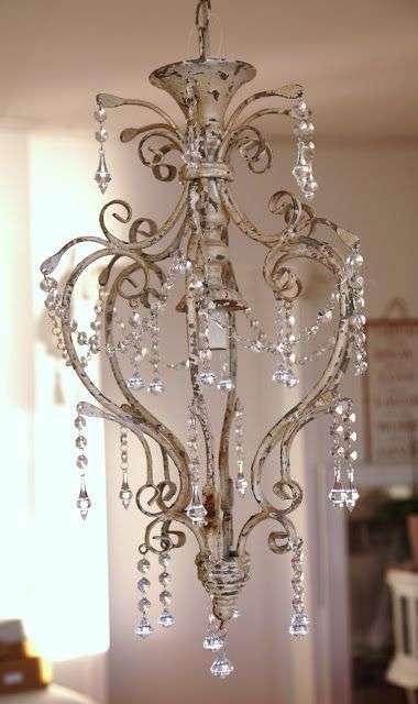 lampadari shabby in cristallo