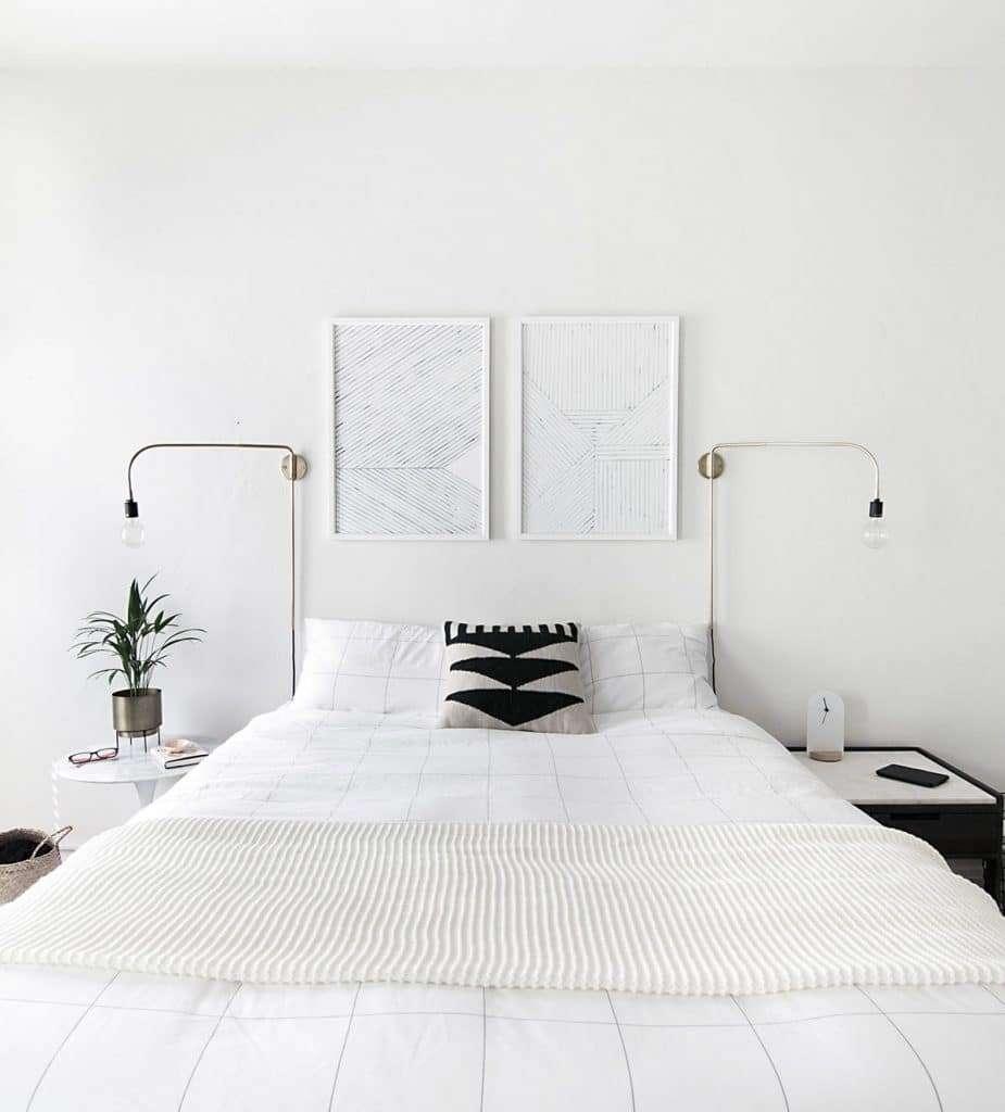 camera da letto bianca minimalista