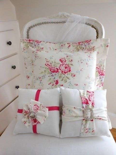 Cuscini shabby chic i tessili in stile fillyourhomewithlove for Cuscini country chic