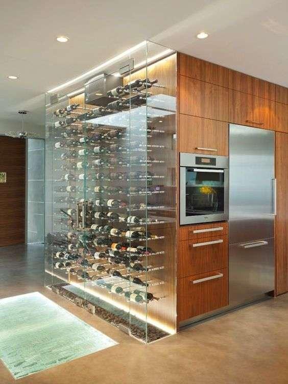 cantinetta vino climatizzata contestualizzata in cucina