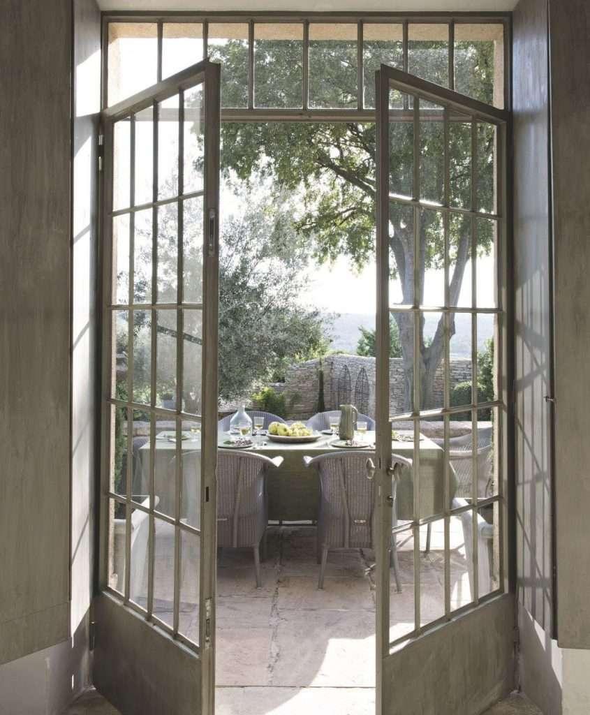 case provenzali veranda con finestra