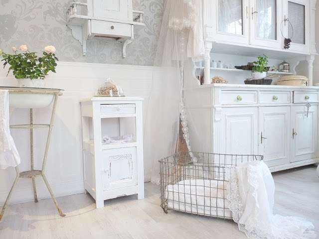 Mobili shabby chic idee in bianco blog fillyourhomewithlove - Mobili bianchi shabby ...