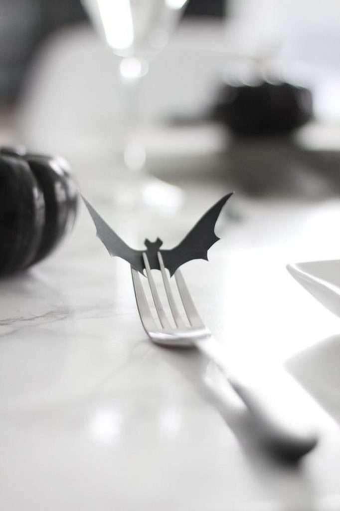 apparecchiare la tavola ad halloween segnaposto