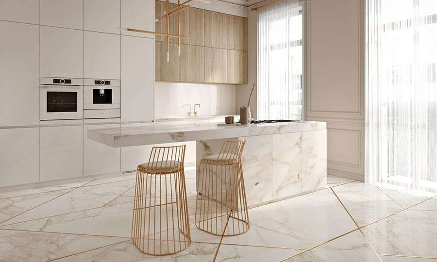 cucina con isola di design in marmo