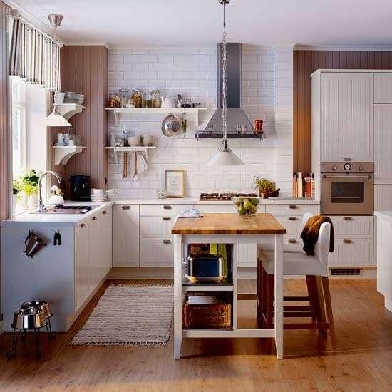 cucina piccola con isola