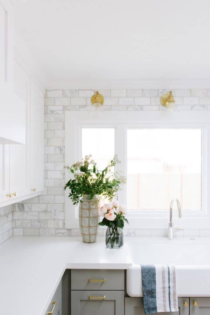 cucina chiara ad angolo